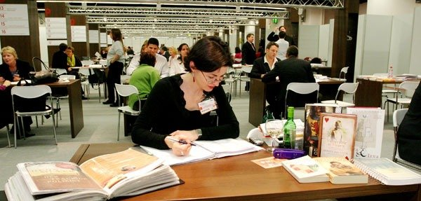 """plenty by isobel dixon essay Isobel mccalman business and  i applied for the internship after talking to one  of the dixon representatives at the usyd investment  """"college tutoring helped  me to improve how i structured university-level and university-style essays and  gave  year med student is 24, meaning you have plenty of time to try and get in ."""